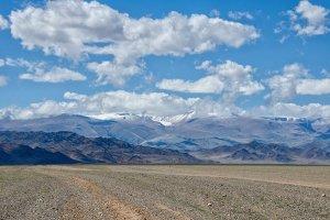 D'une capitale à une autre en passant par le désert de Gobi